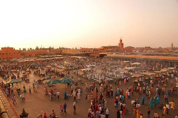 la Place jema el fna de marrakech maroc