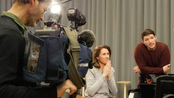 Valérie marie et Gregory Benchenafi chanteur en studio