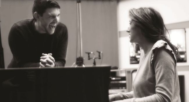 Valérie marie et Gregory Benchenafi chanteur