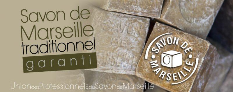 Plusieurs blocs de Savon de Marseille garanti avec logo officiel